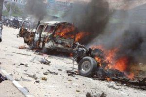 إنفجار بسيارتين مفخختين وإطلاق نار في مقديشو