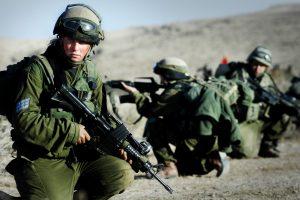 شاب فلسطيني يسقط برصاص قوات الإحتلال في نابلس