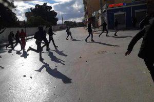 إستمرارا الإحتجاجات في القصرين والحكومة تعد بحلول
