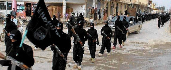 تنظيم الدولة الإسلامية يخفض رواتب مقاتلين إلى 200 دولار