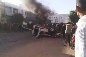 إقتحام مباني حكومية في تونس وحرق مراكز أمن