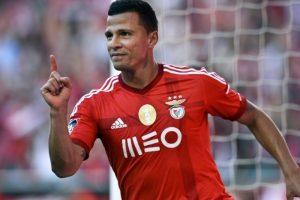 مهاجم فريق الأهلي الاماراتي رودريجو ليما يبتعد عن الميادين لمدة 3 أشهر