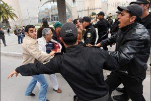 عدوى الإحتجاجات تنتقل إلى مناطق تونسية أخرى