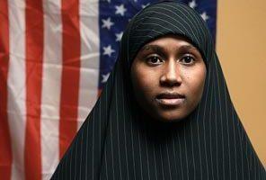 شركة أمريكية تطرد صوماليين بسبب الصلاة !!