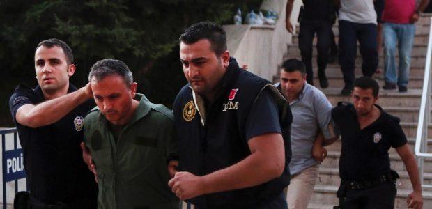 تواصل حملة الإعتقالات والتوقيفات في تركيا بعد محاولة الإنقلاب