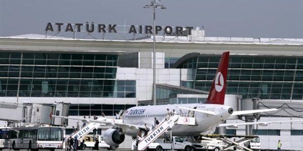تعليق الرحلات الدولية بإتجاه تركيا وإرتباك في المطارات التركية