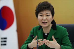 """رئيسة كوريا الجنوبية تدافع عن نشر منظومة """" ثاد """" في بلادها"""
