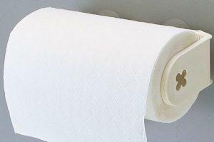 ما هو السبب في جعل لون مناديل المرحاض بيضاء فقط ؟
