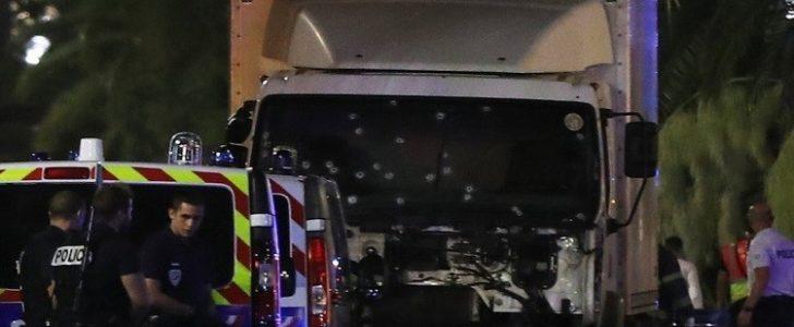 نيس : مقتل وإصابة العشرات والسلطات تعزز خططها الأمنية