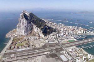 وزير خارجية بريطانيا يتعهد بالدفاع عن سيادة بلاده على جبل طارق