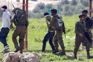 إعتقال عشرين شخصا في الضفة الغربية بينهم حسين أبو كويك