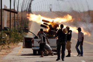 غارات أمريكية على سرت ومجلس مجاهدي درنة يسيطر على موقع لحفتر
