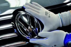فولكسفاغن تتلقى الضوء الأخضر لإصلاح أكثر من 460 ألف سيارة