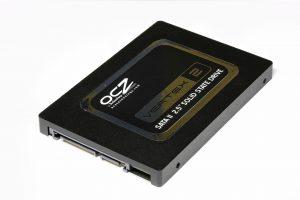 لينوفو : تطويرات على لوحة التخزين من نوع SSD ذات السعة 48 تيرا بايت