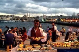 تركيا : 300 مليون دولار سنويا نصيب الطعام من السياحة في إسطنبول