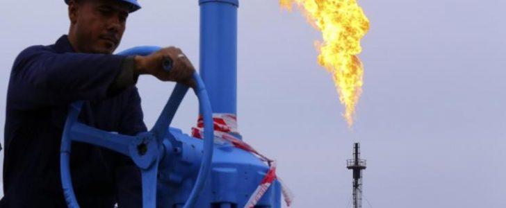 تذبذب اسعار النفط وعلاقة تضخم الانتاج الامريكي بهبوط مستويات برنت لمستويات لم تصلها منذ سنوات