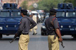 مقتل ستين شرطيا وإصابة نحو 120 آخرين بهجوم على مركز أمني في باكستان