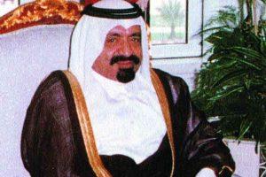 قطر : تشييع جثمان الأمير الأب الشيخ خليفة بن حمد آل ثاني في الدوحة