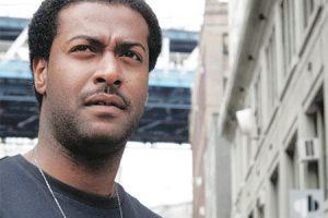 فيصل العميري يتوج بلقب أفضل ممثل في مهرجان الإسكندرية السينمائي