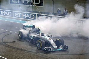 فريق مرسيديس يحصد لقب بطولة المصنعين في بطولة فورمولا 1 وريد بول ثانيا