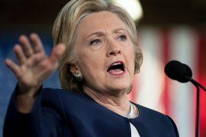 هيلاري كلينتون تعبر عن أسفها لخسارة الإنتخابات أمام ترامب وخيبة أملها