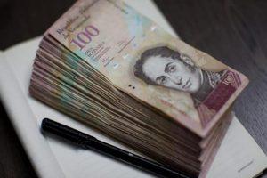 فنزويلا تسعى لإصدار أوراق مالية ذات قيمة كبيرة لمكافحة التضخم