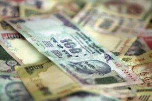 الهند تبقي على أسعار الفائدة دون تغيير بشكل غير متوقع على الرغم من أزمة سيولة التي يعاني منها الاقتصاد