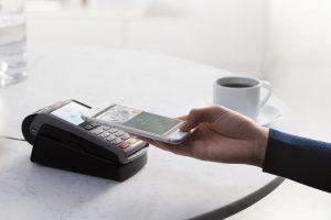 تفاصيل حول خدمة الدفع Apple Pay التي وصلت إلى دولة إسبانيا