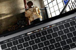 تصريحات بعض مستخدمي حواسيب MacBook Pro الذين يشتكون من ضعف بطاريات أجهزتهم
