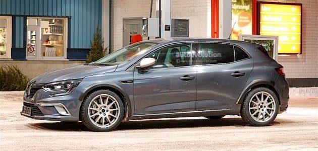 احدث الصور التجسسية للسيارة الفرنسية رينو ميجان RS 2018 والمعلومات الجديدة عن مميزاتها