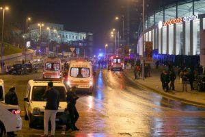 مقتل 15 شخص في انفجار قنبلة خارج ملعب بشيكتاش في تركيا