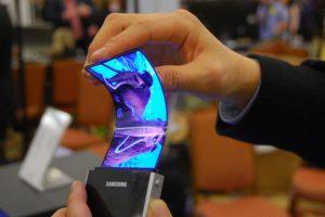 تقارير جديدة تفيد بأن مايقارب 150 مليون شاشة AMOLED المرنة سيتم شحنها في 2017