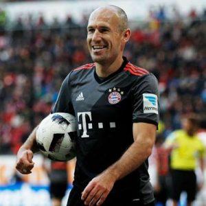 رسمياً: بايرن ميونيخ يجدد عقد روبين حتى 2018