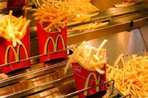 شركة ماكدونالدز العالمية تسجل أفضل المبيعات لها منذ عام 2011