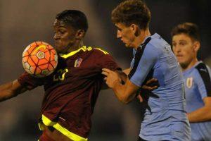 برشلونة يتعاقد مع مدافع جديد هو بينارول من منتخب الاورغواي