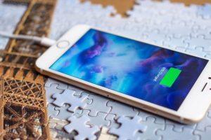 تصريحات آبل الغير مباشرة عن توفر خدمة الشحن اللاسلكي في الجيل القادم من iPhone