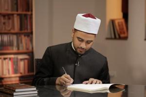 """اليوم يستعد علماء الأزهر الشريف لمناقشة رواية """" سيدنا """" للداعية مصطفى الأزهري"""