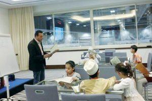 معرض مسقط الدولي للكتاب ينضم حلقة للأطفال بعنوان تعالوا نكتب في مسقط