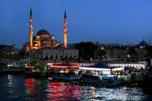 تركيا: تضرر الإقتصاد وانخفاض عائدات السياحة في عام 2016
