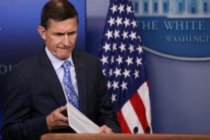 """روسيا تلقي بمستشار الأمن القومي الأمريكي """"مايكل فلين"""" في مهب الريح"""