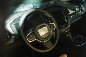 أحدث الصور التجسسية لسيارة فولفو XC60 قبل الكشف عنها في معرض جنيف للسيارات