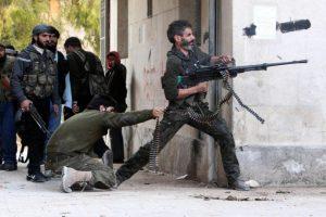 مدينة الباب السورية؛سيطرة للجيش الحر داخلها، وسيطرة لجيش النظام خارجها