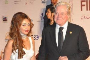 حكمت المحكمة بخلع رنا القصيبي مع زوجها الفنان حسين فهمي بسبب سوء المعاملة