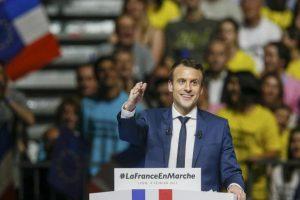 استطلاعات رأي تظهر خروج فرانسوا فيون من الجولة الأولى لإنتخابات الرئاسة الفرنسية