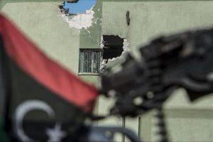 حكومة الوفاق تسيطر على مقر حكومة الإنقاذ في طرابلس وسقوط ضحايا في الاشتباكات
