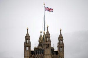 البرلمان البريطاني يدرس الخروج من الإتحاد الأوروبي دون دفع فاتورة رحيلها