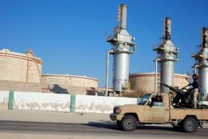 دعوات دولية لوقف الأعمال القتالية بمنطقة الهلال النفطي الليبي، ودعم أجنبي لقوات حفتر
