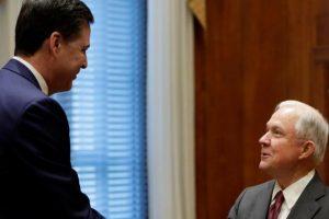 مدير مكتب التحقيقات الفيدرالي الأمريكي يطالب وزارة العدل الأمريكية بالرد على ترامب