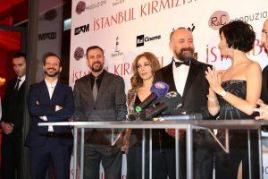 الممثلة توبا بويوكوستن تتحدي الاعلام التركي بالظهور دون خاتم الزفاف