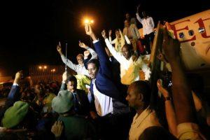 وصول أسرى سودانيين إلى الخرطوم بعد وساطة أوغندية مع المتمردين